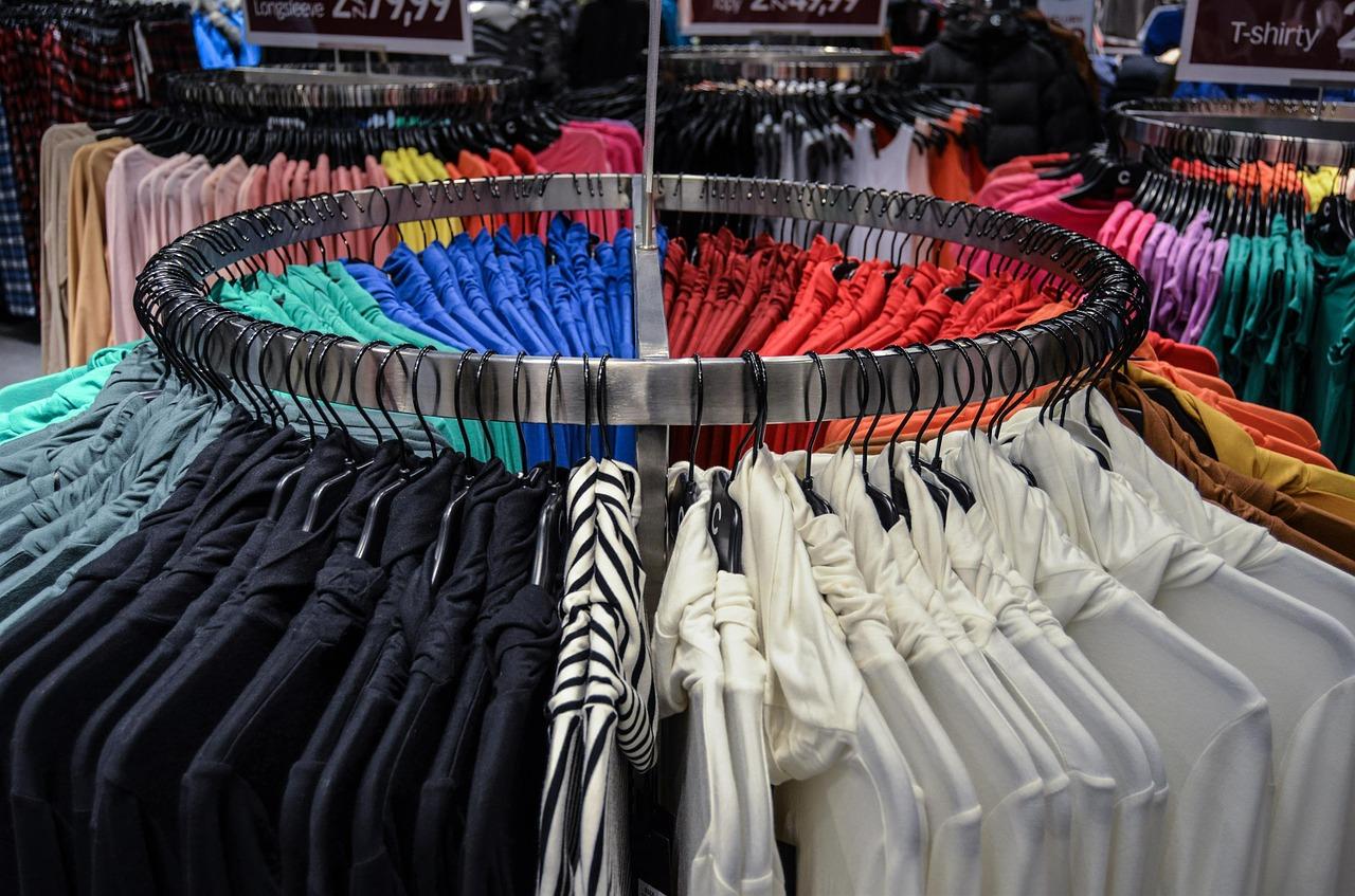 Hoe kies ik kleding die bij mij past? (foto van Pixabay)